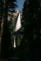 Yosemite-Falls-Moonlight-04-01-07-500.jpg (327107 bytes)